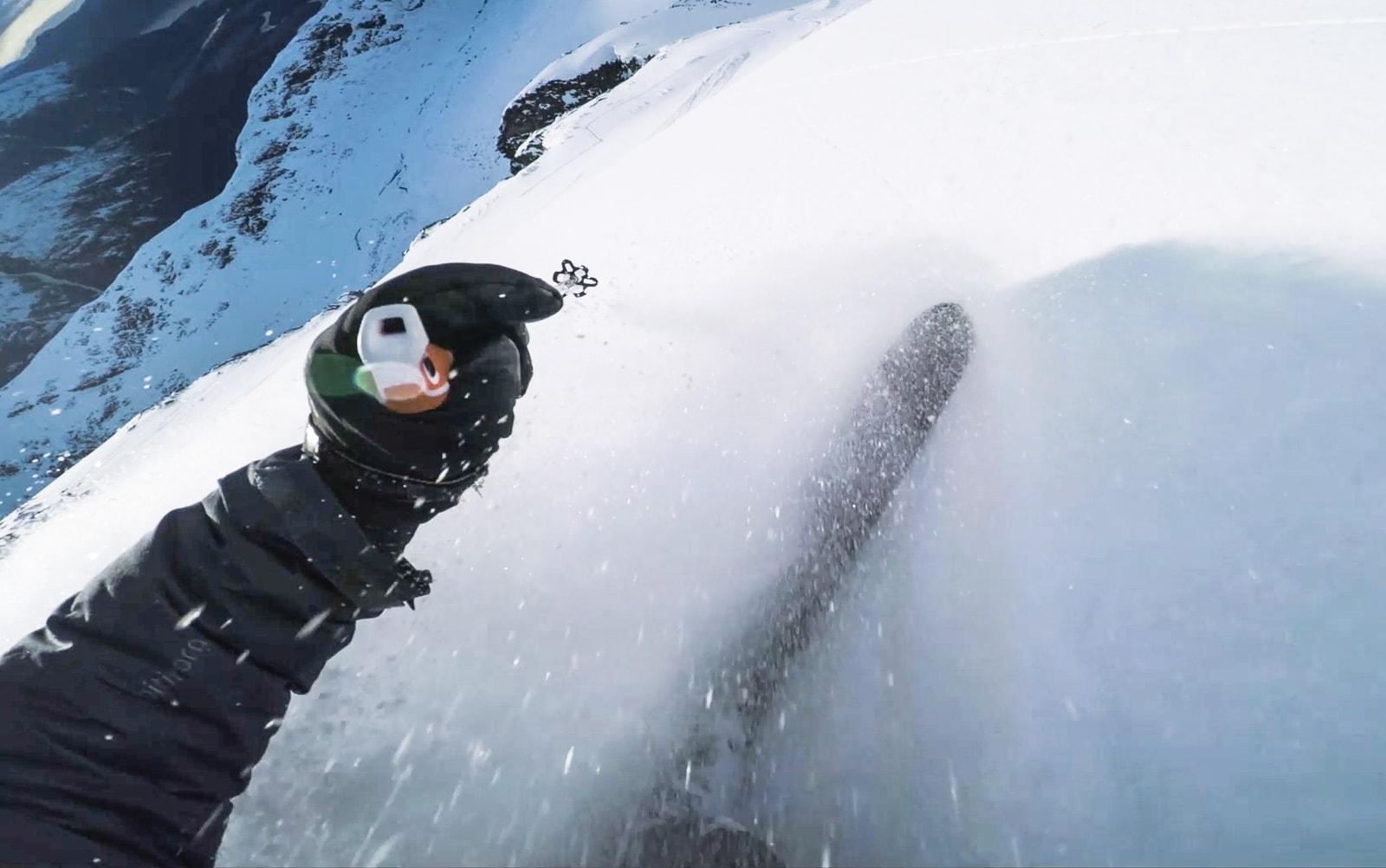 BOOM! Ikke rart det ble full bestokning hos Asbjørn Eggebø Næss (bildet) og Nikolai Schirmer etter å ha kjørt sånn snø en hel dag.