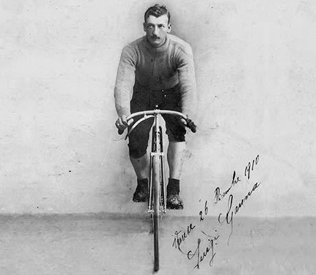 FØRSTEMANN: Luigi Ganna vant historiens første Giro d'Italia. Foto: Biciclette Ganna.