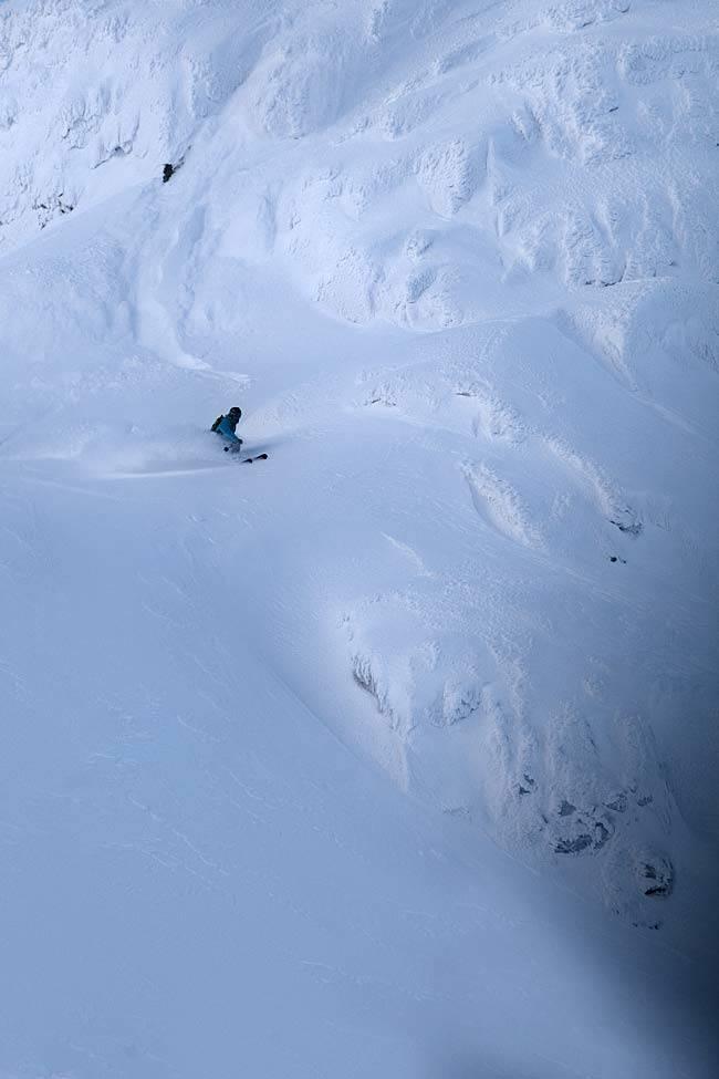 TYPISK: Bratt og variert terreng er typisk Hemsedal, og ekstra typisk for Lille Matterhorn. Foto: Kalle Hägglund