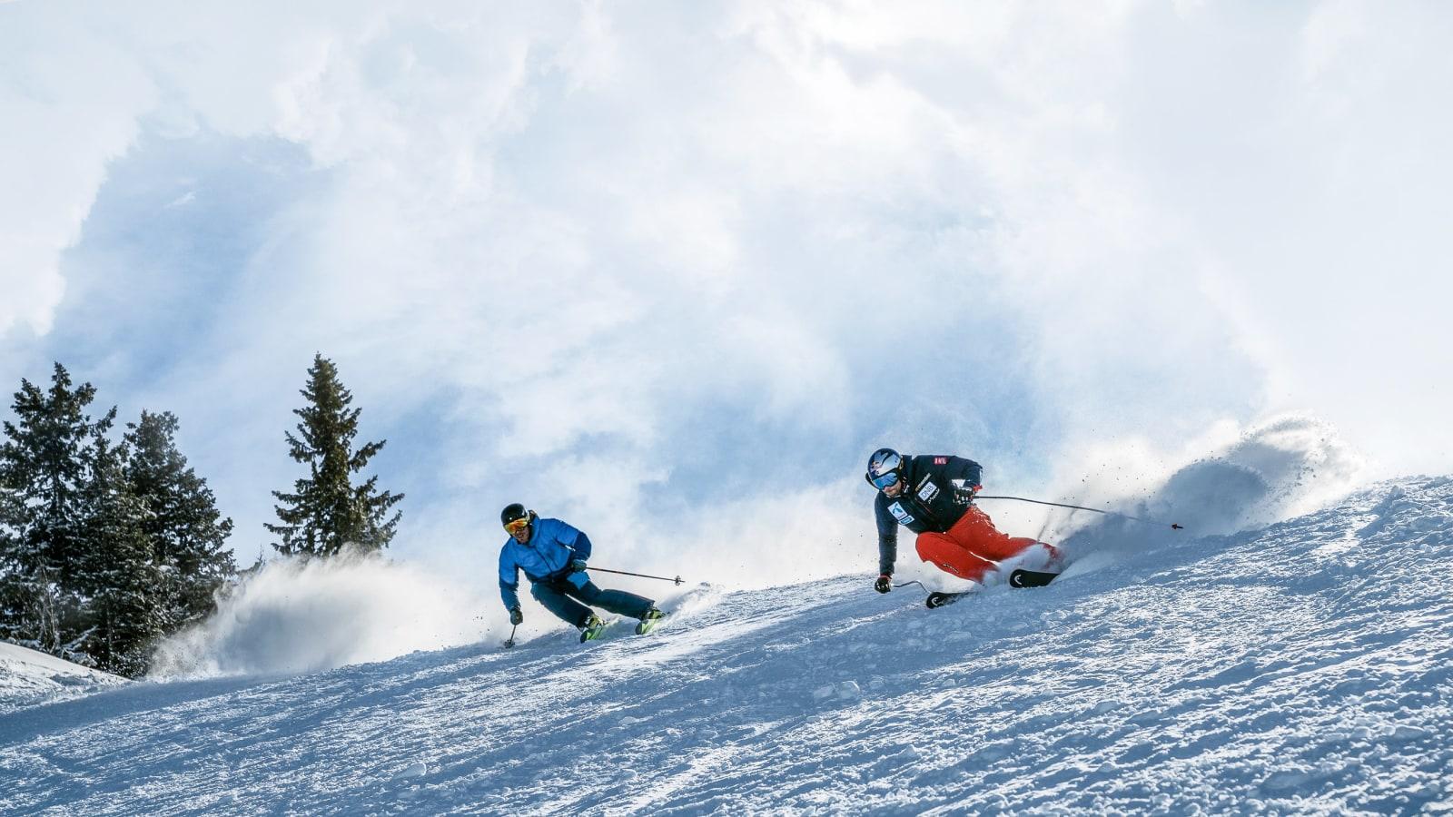 GJENFORENING: Eirik Finseth (t.v.) og Aksel Lund Svindal var tidligere arge konkurrenter, men det er 20 år siden. Hvordan står det til med skiteknikken til Eirik i dag. Holder den fortsatt mål? Bilde: Magnus Roaldset Furset