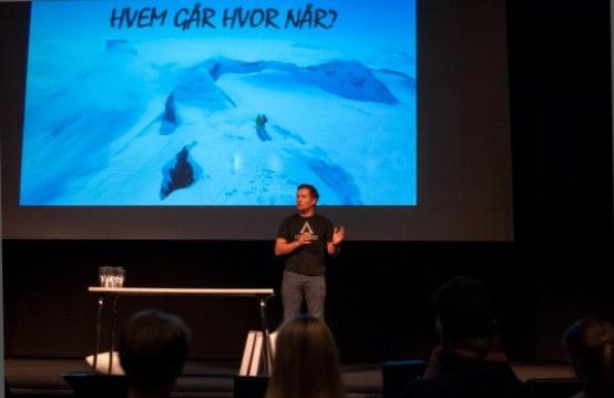 DELER AV ERFARING: Markus Landrø under skredkonferansen på Chateu Neuf i Oslo, som trakk fullt hus. Foto: Gunhild Aaslie Sodal