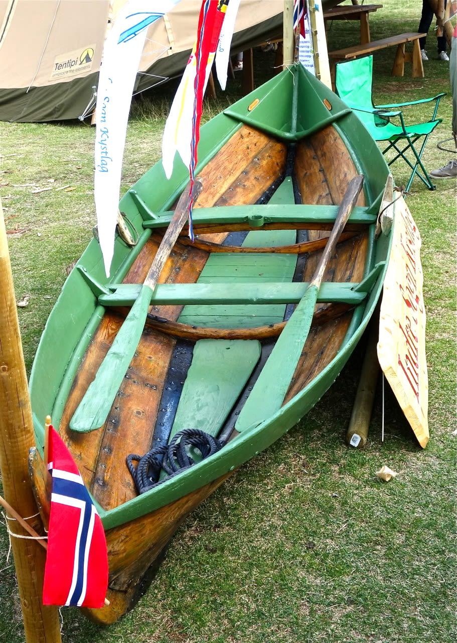 3.Spesialisert robåt. Denne lille og lettbygde sognebåten, kalt «Plytten», er velegnet som trivelig robåt for alle.