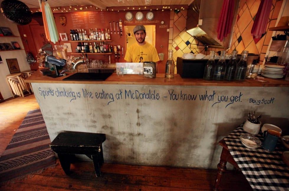 MacDonalds: En bar med attitude – Klatrekafeen på innsiden. Foto: Dag Hagen