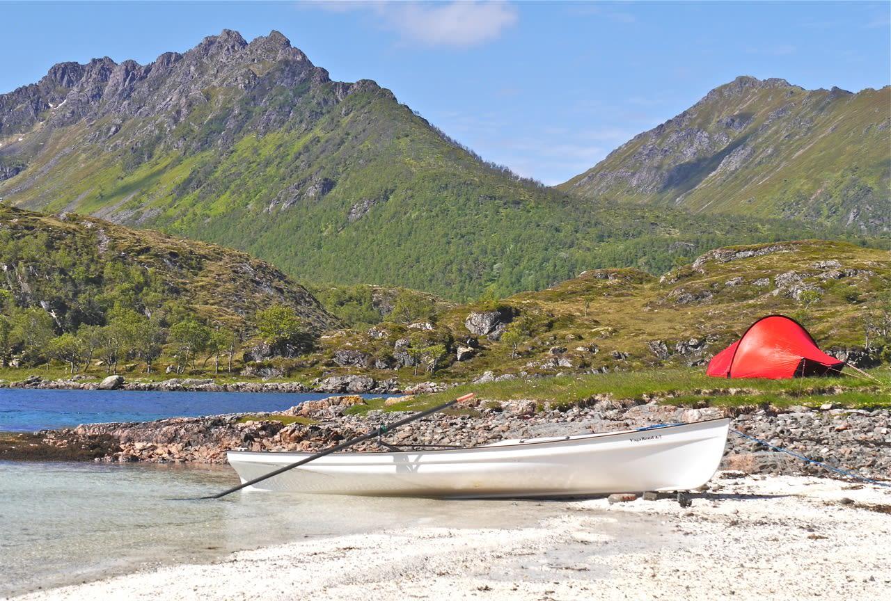 6.Friluftsliv. Modell Vagabond fra Row Scandinavia er robust og trygg båt til sjøbasert friluftsliv og trening.