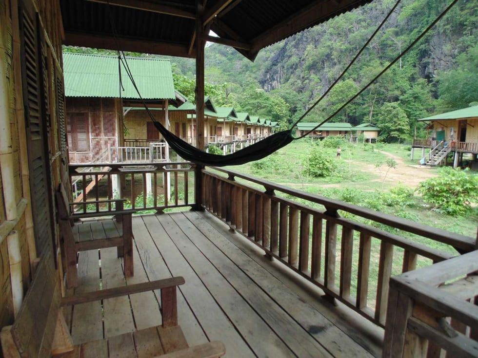KOSELIGE BUNGALOWER: Med egen bungalow følger også egen veranda, med god plass til hengekøye. Foto: Tanja Weidner