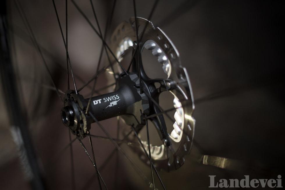 BUNNSOLID: DT240 er et referan- senav også på langt dyrere hjul. Eks- trem slitestyrke og enkelt vedlikehold er årsaken.