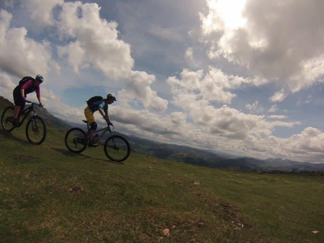 FINT: Terrengsykling kan være så fint og så hyggelig.