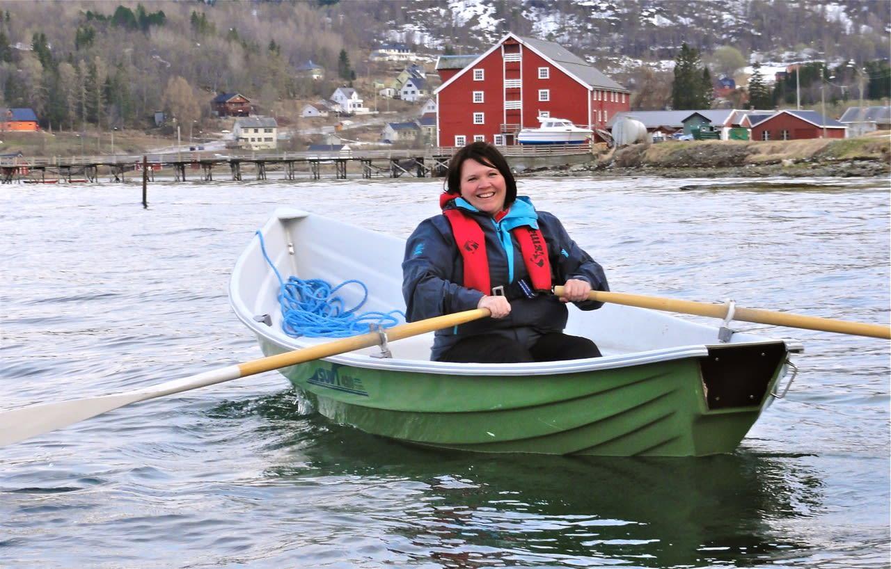 """Finsk båt. Denne """"Suvi 420"""" er et godt alternativ til opplæring og som hyttebåt."""