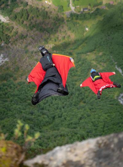 LØFT: Basesporten kan få eit løft i framtida. Helikopter skal vera involvert. Foto: Kristian Jøndal