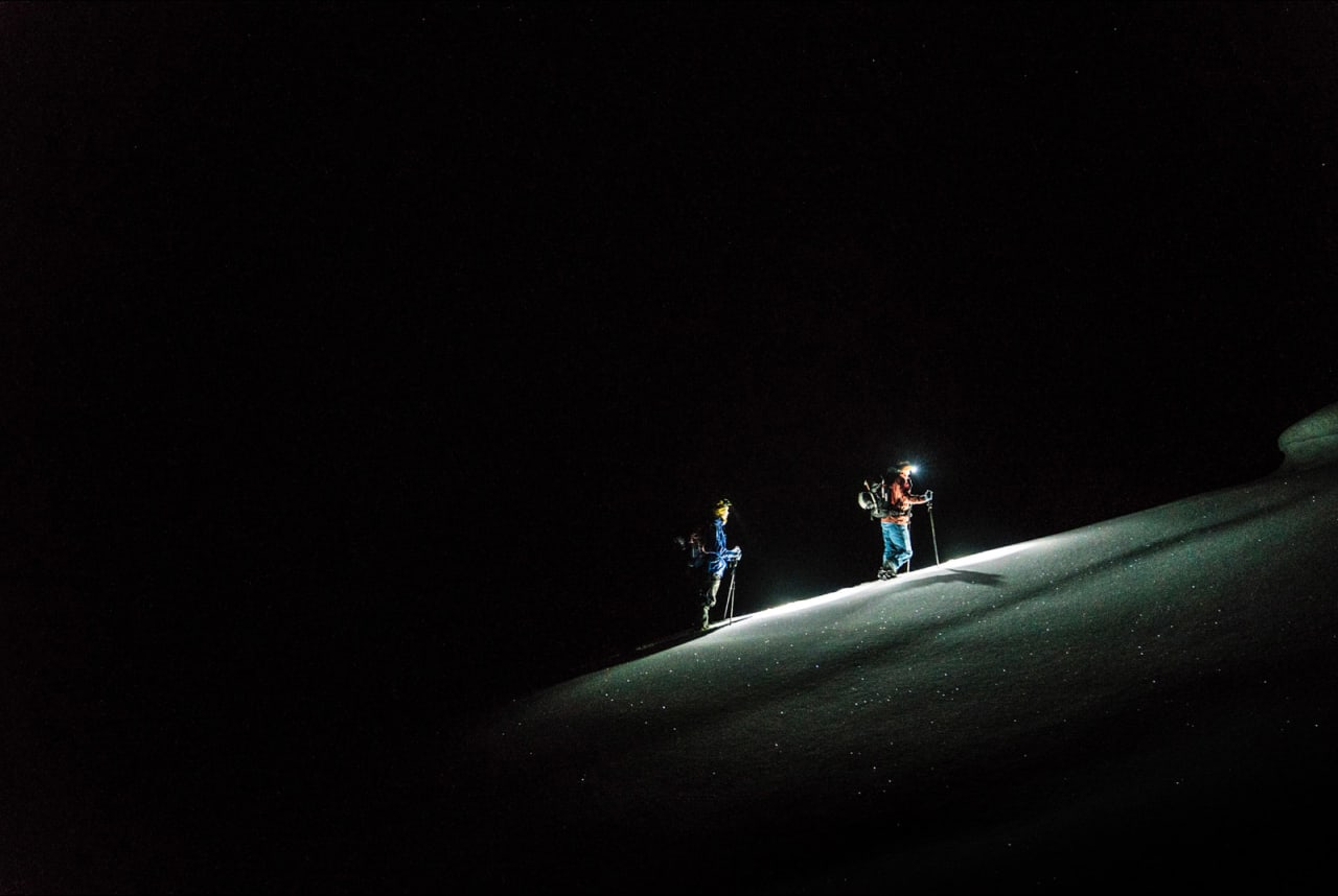 Det ble en såkalt alpin start på Vetle Dirdal og Håvard Skaar Skogesal for å rekke dagens mål. Bilde: Bård Basberg