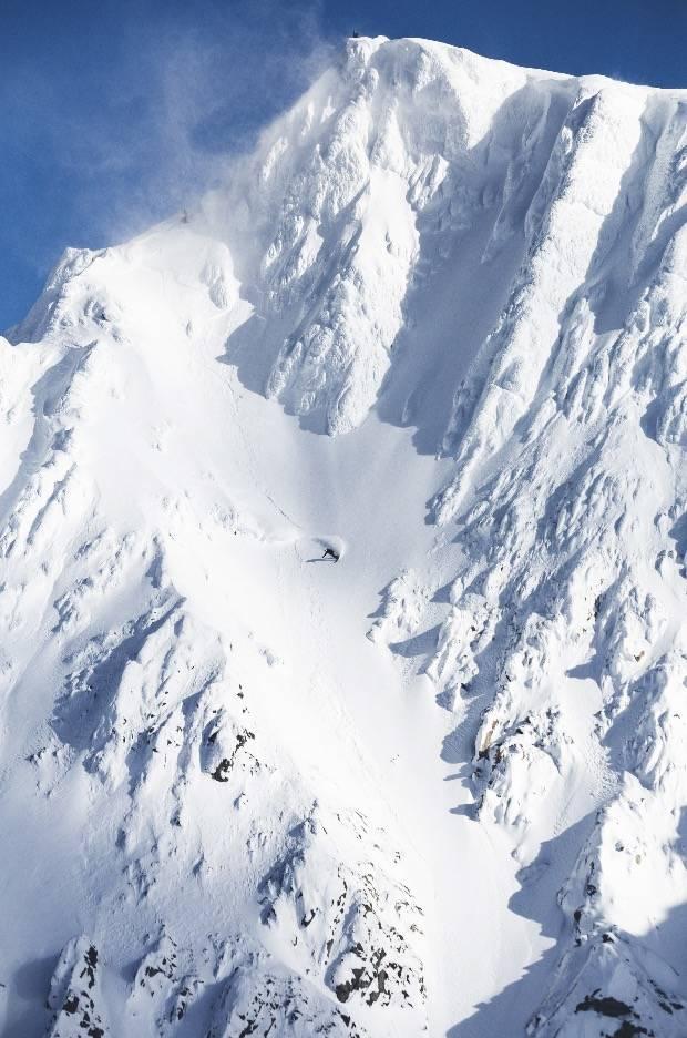 STEINFETT: Krister Kopala på vei ned Steinfjellet i Nord-Lenangen. Den klart feteste linja vi fikk på film den sesongen.