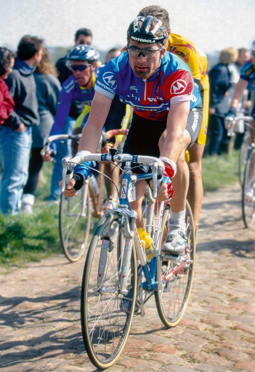 OUTSIDER: Bjørn Stenersen var sjanseløs mot konkurrentene i ritt, tross talentet. Stenersen ville ikke ta doping selv. Her fra 95-utgaven av Paris-Roubaix med dempegaffel.  Foto: Cor Vos.