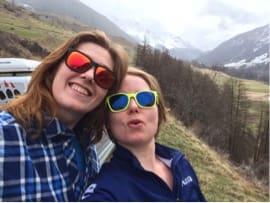 SOL: Først i Italia kom solen frem for jentene i fra nord.