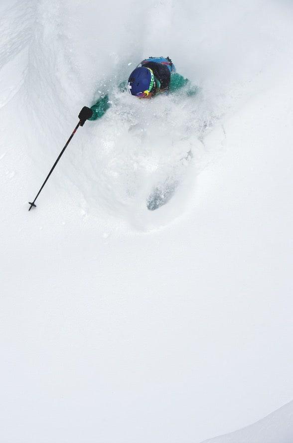 DRØMMEN: Djup snø uten heiskø. Derfor har det vært venteliste hos Selkirk siden 1975.