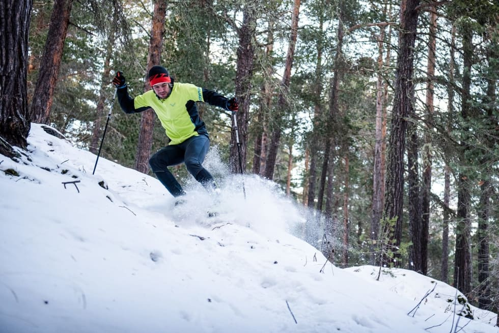 PROFFINSTRUKTØREN: Eirik Finseth er overbevist om at også de beste har noe å forbedre på skiteknikken. Bilde: Martin I. Dalen