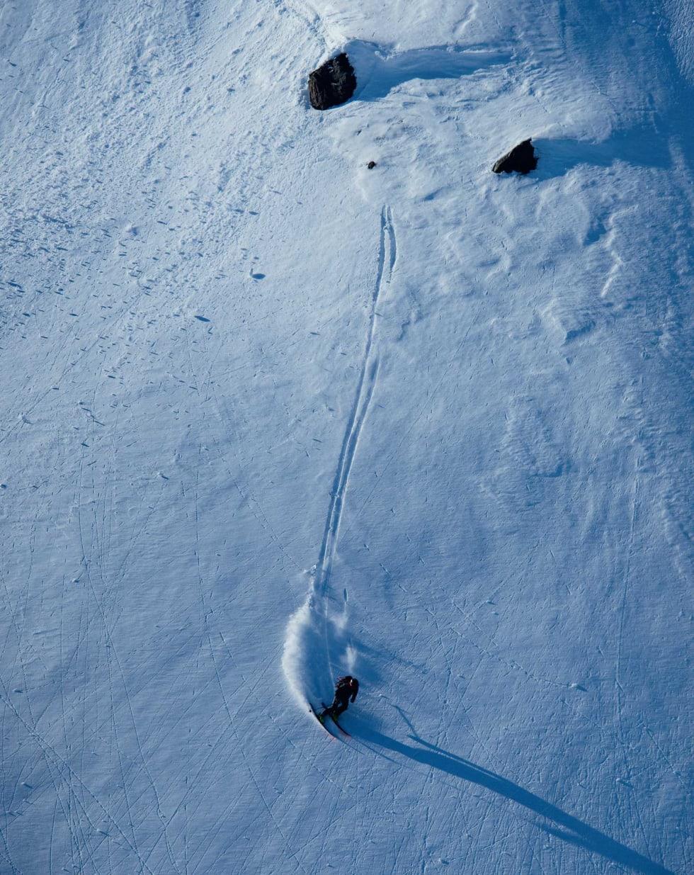 IN NATURA: Det er kjekt å byggje hopp, men det er alltid kjekkare å sleppe. Sondre køyrer ut av ramma. Foto: Anki Grøthe