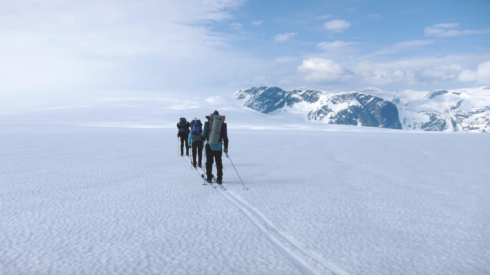 KLASSISK: Jostedalsbreen strekker seg ut fremover. Foto: Sandra L. Wangberg