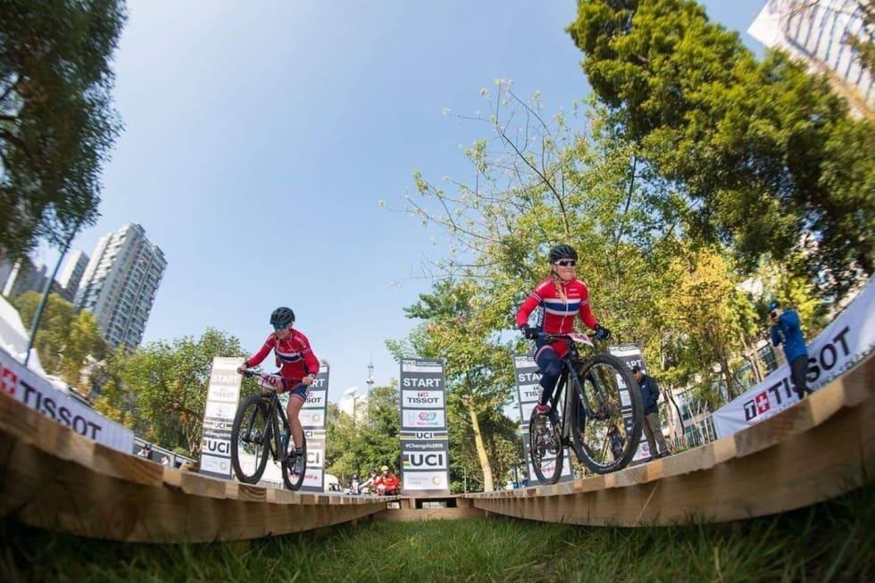 Anna Stray Rongve har hatt stor glede av Ingrid Sofie Bøe Jacobsens erfaring med sprintverdenscupen i debutsesongen. Foto: City Mountain Bike