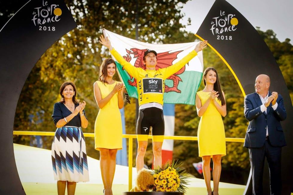 TITTELFORSVARER: Geraint Thomas kunne løfte det walisiske flagget som vinner av Tour de France i 2018. TV2-ekspert Johan Kaggestad tror ikke han gjentar bragden. Foto: Cor Vos