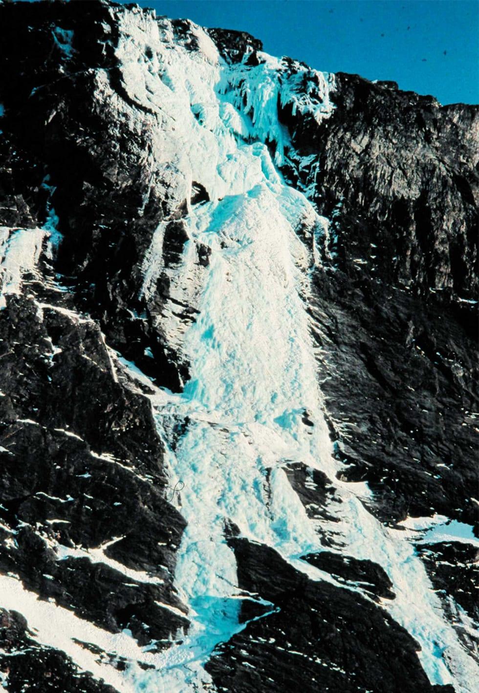 Enorm: Togbekken (WI 5, 850 m.) ved Sunndalsøra. Foto: Aslak Aastorp