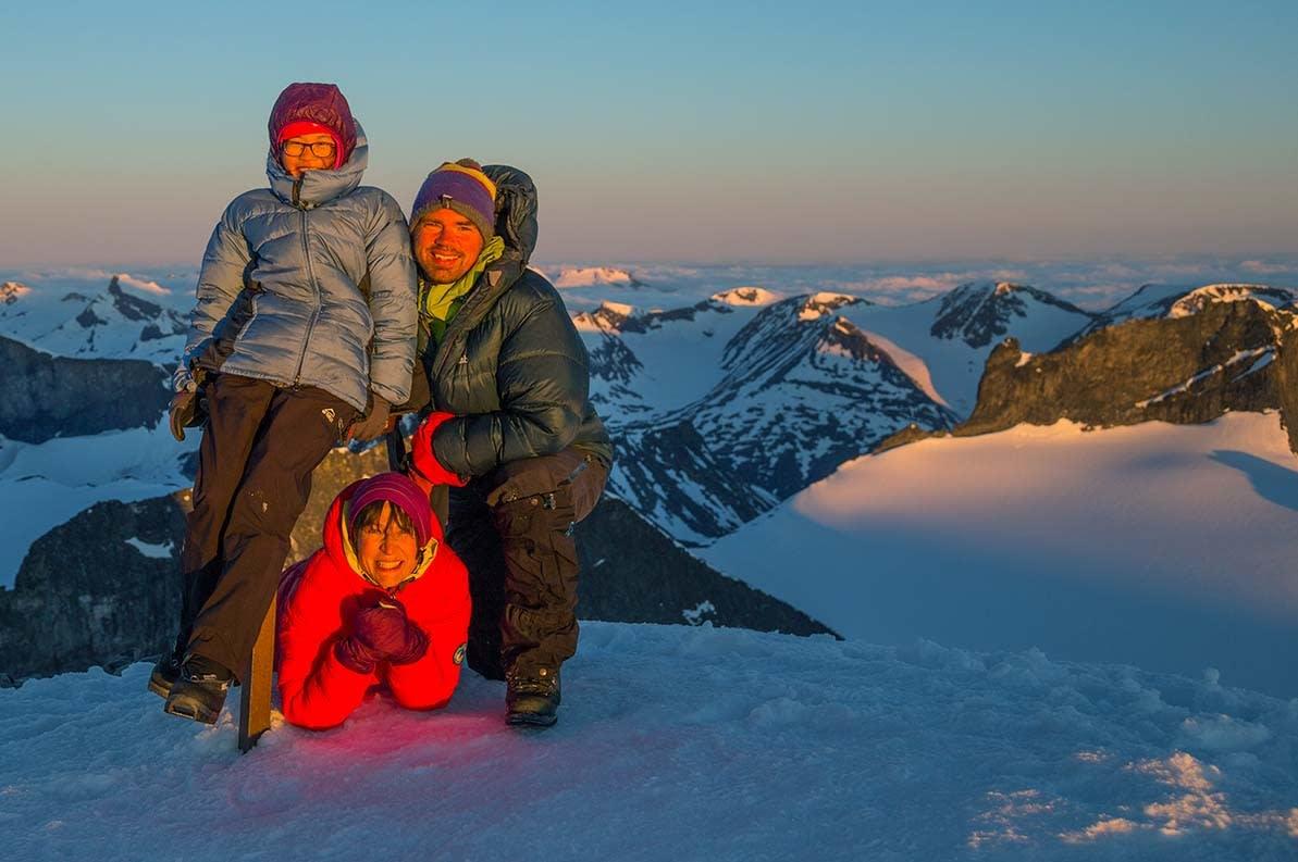 FELLES GLEDE: Datteren Linn Therese (14) har adoptert foreldrenes interesse for fjell og friluftsliv. Foto: Jørn Ask
