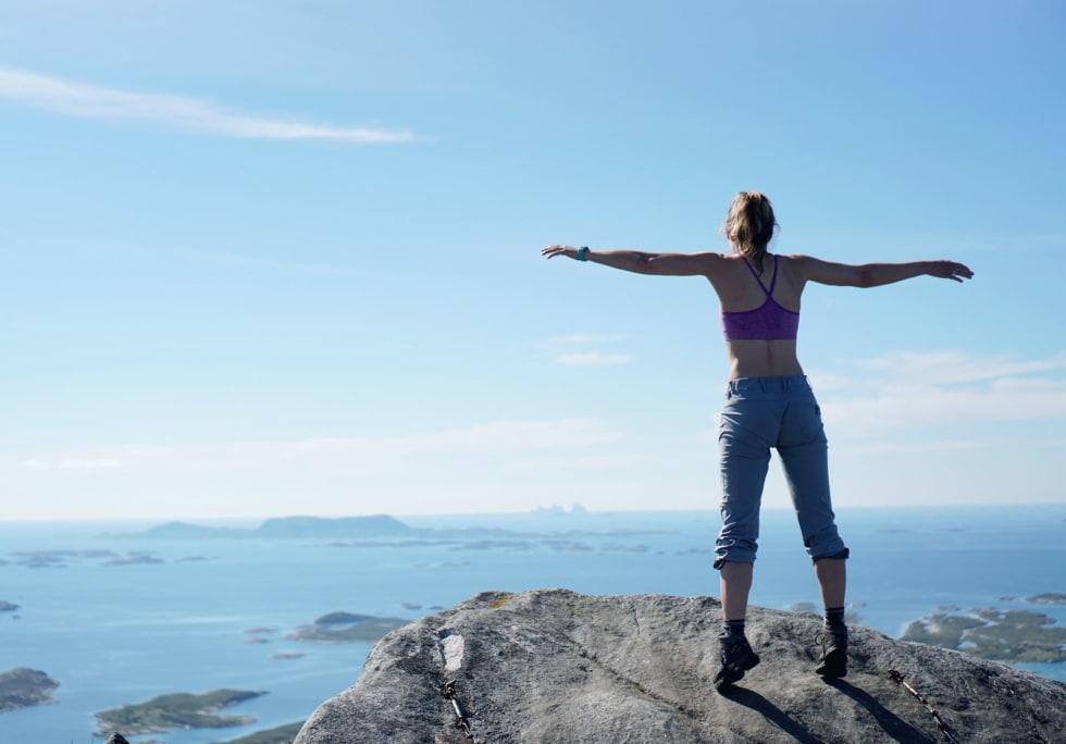 TOPP UTSIKT: Drar du kjensel på fjellene langt der ute? Foto: Simon Fossheim