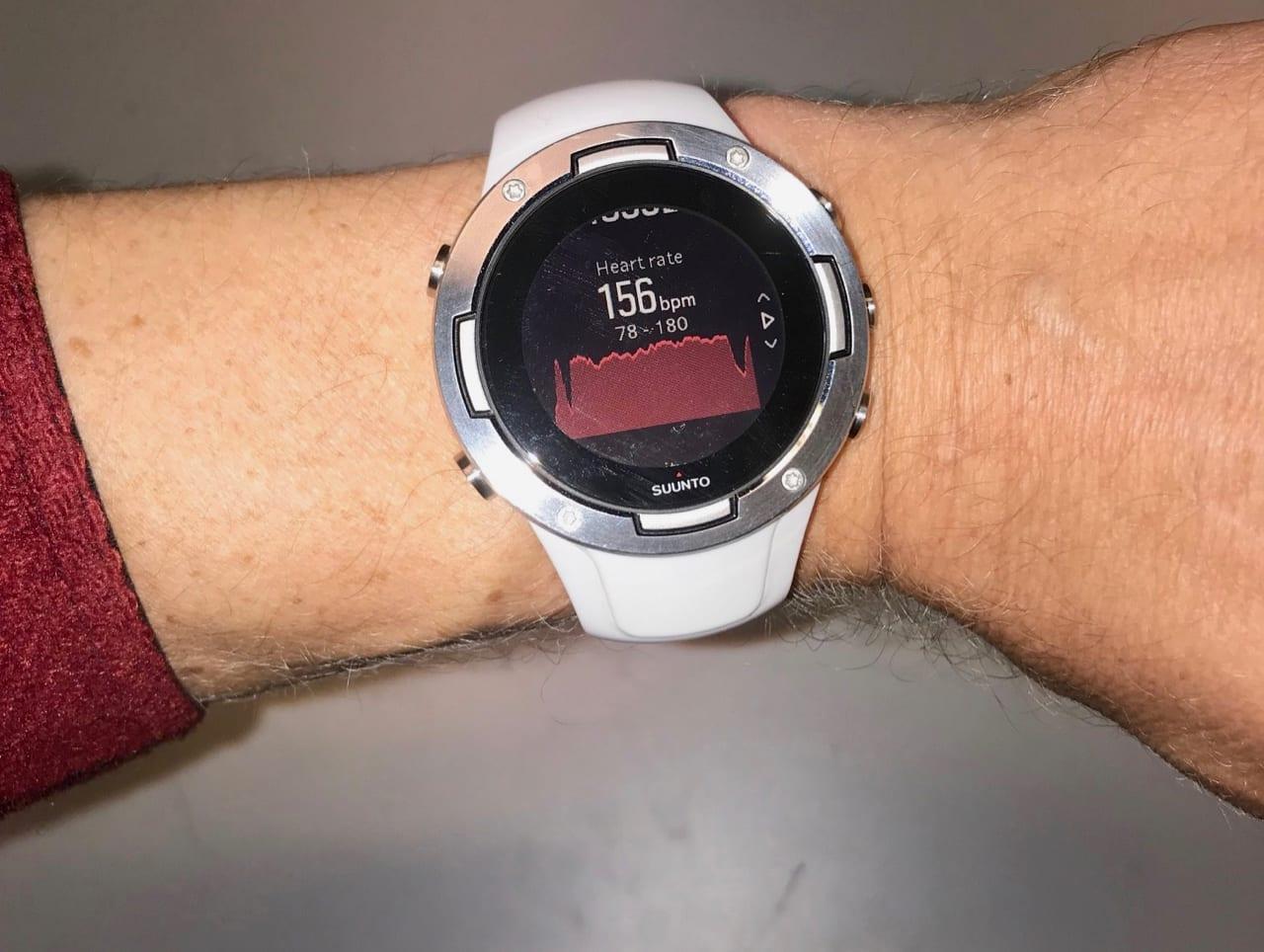 GRAFER: Suunto 5 kan vise deg pulsgrafer både etter og underveis på en treningsøkt.