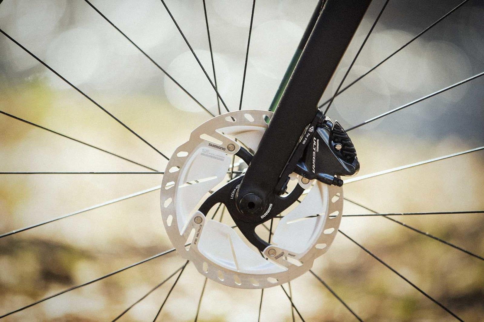 LEKKERT: Shimanos nye bremseskiver er med på å løfte helhetsinntrykket på enhver landeveis-og eventyrsykkel.