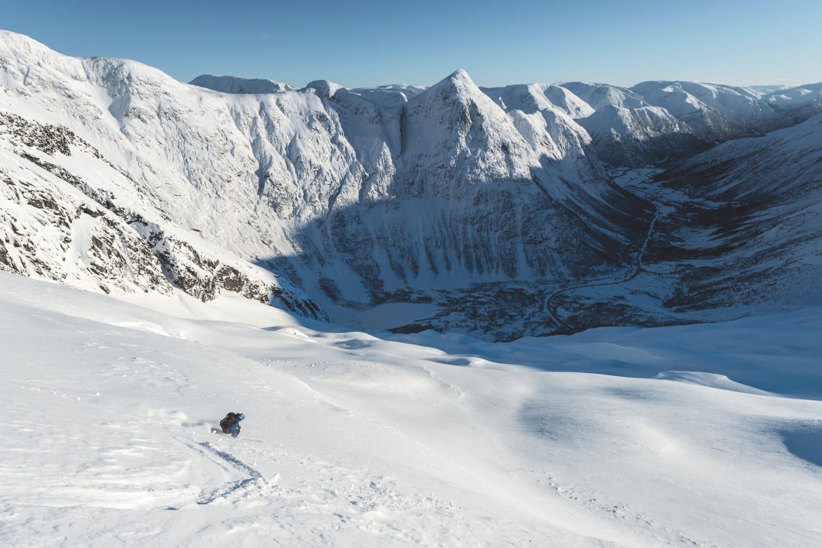 Klink is og melis. Skiføret i et brefall kan mildt sagt kalles varierende, men Sigurd Felde og Sander Buene har vært der før. Av og til finner de lommer med løssnø.