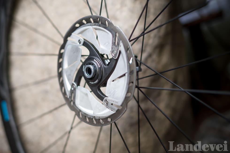 SOM FORVENTET: Shimano har Centerlock innfesting på alle sine hjul. Vi må bare legge til at de nye Ultegra-skivene er rålekre.