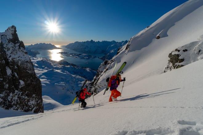 FINE FORHOLD: Ikke mye å utsette på turlivet når fjellene viser seg fra denne siden. Foto: Signar André Nilsen