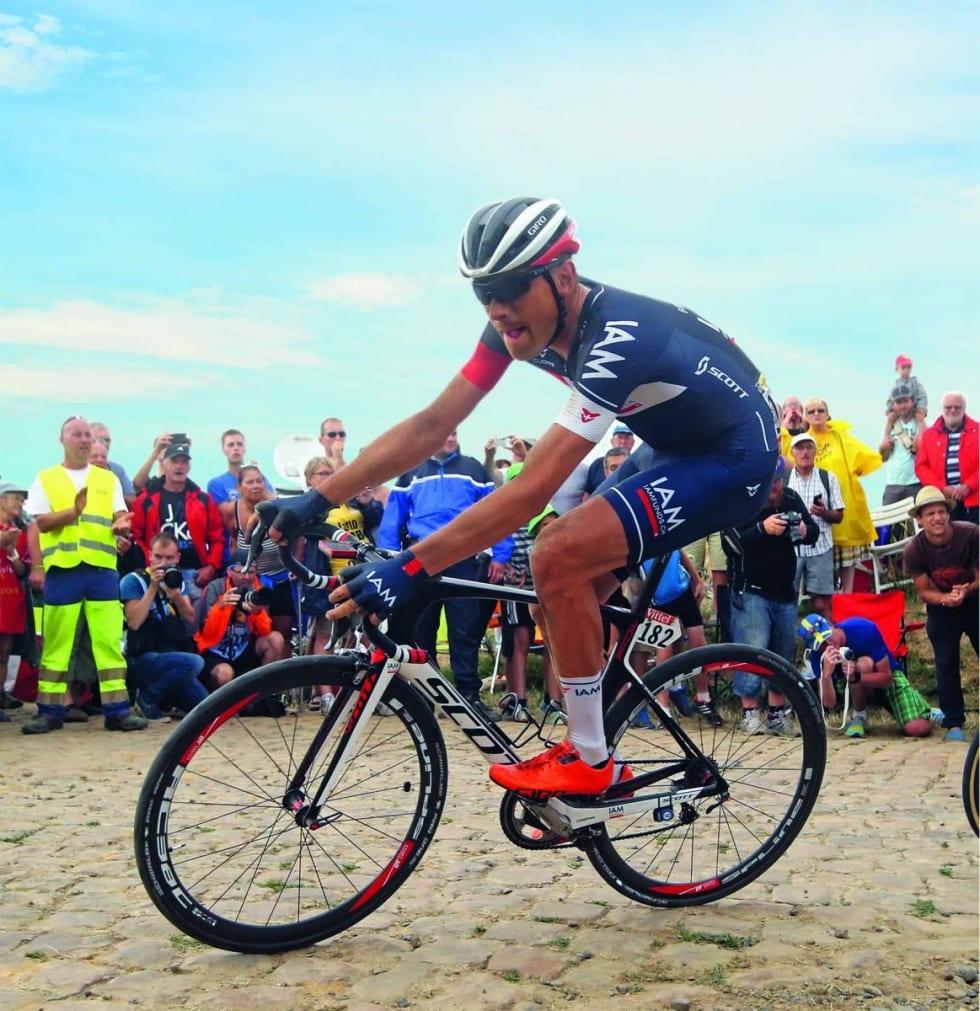 VELPRØVD: Martin Elmiger syklet på Schwalbe Pro One Tubeless Tires under Paris-Roubaix 2017, et ritt der tubulardekk frem til i dag har vist sin suverenitet. Foto: Cor Vos.