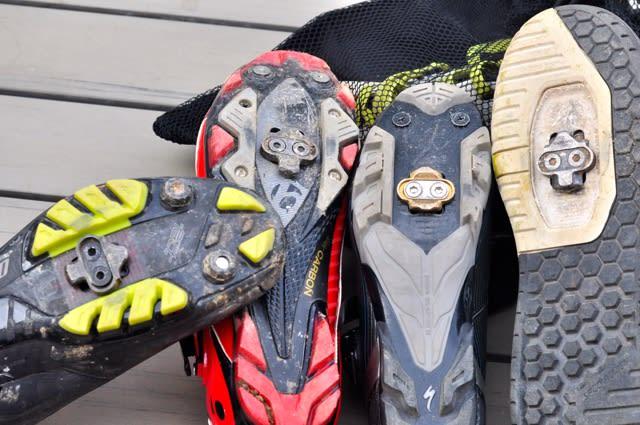 FORSKJELLER: Noen klosser kan brukes om hverandre, andre fungerer bare til egne pedaler. Fra venstre: Shimano SHM51, Exustar, Crank Brothers, Shimano SHM52
