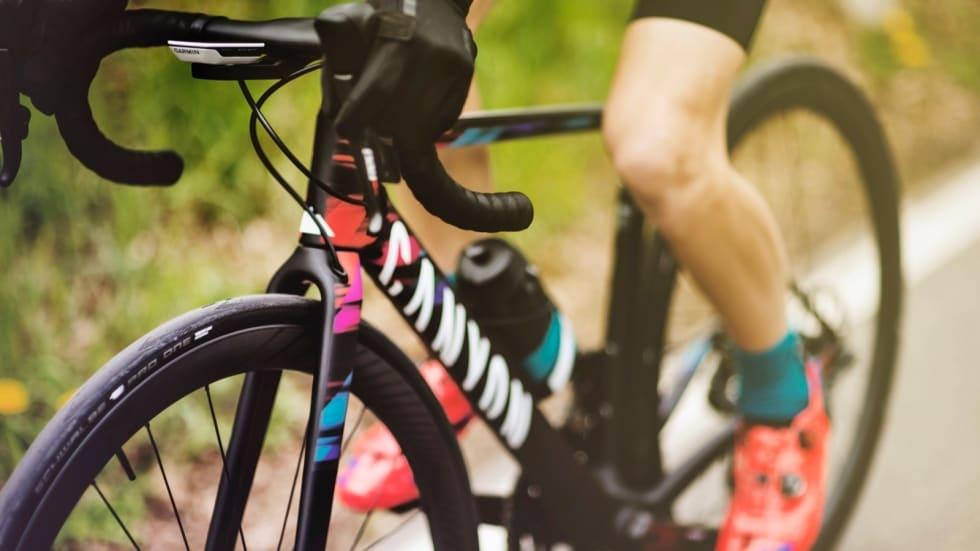TOPPLAGG MED TOPPDEKK? Canyon-SRAM kjører utelukkende med Schwalbe Pro One, satt opp slangeløst. Foto: Canyon-SRAM.
