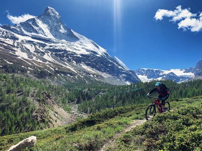 FERIE: På sykling i Alpene.