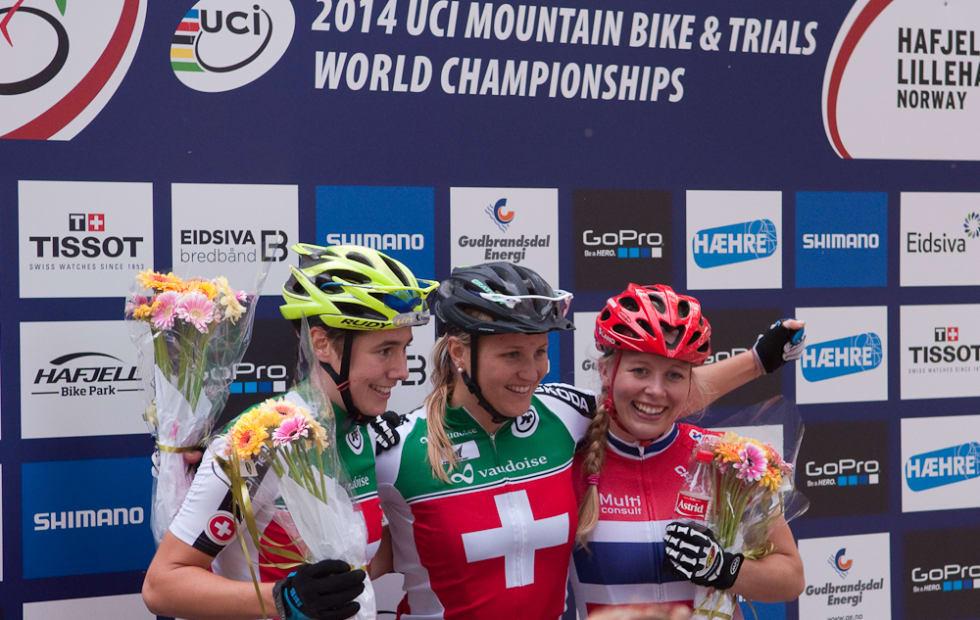 PALLEN: Linda Indergand, Kathrin Stirneman og Ingrid Sofie Bøe Jacobsen tok medaljene i VM-sprinten.