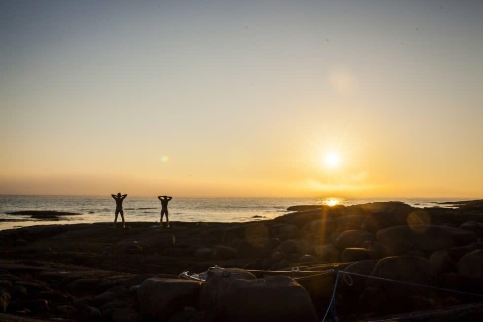 MIDNATTSOL: Midnattssol innebærer at solen ved sin laveste posisjon i løpet av ett enkelt døgn ikke går under horisonten og dermed, såfremt skydekket ikke er for omfattende, er synlig 24 timer av døgnet. Foto: Marte Stensland Jørgensen