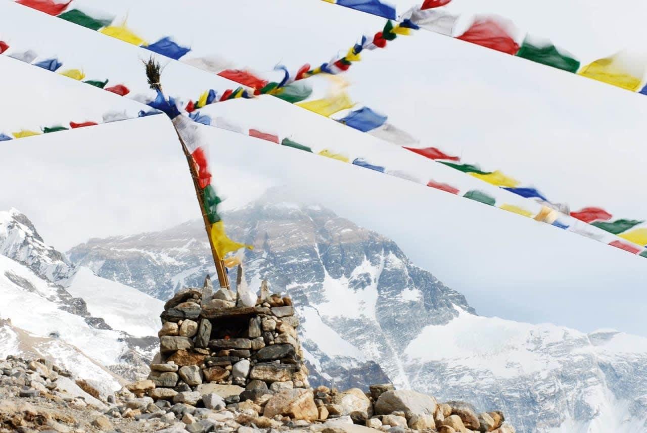 TILTREKKENDE: I år har rekordmange alpinklatrere fått lov til å prøve å nå toppen av verdens høyeste fjell. Arkivfoto: Tormod Granheim