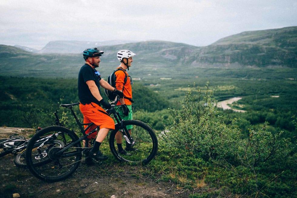 ÅPENT FOR FLOSKLER: Åpent landskap blir er det mye av i Finnmark, og Lakselv er intet unntak.