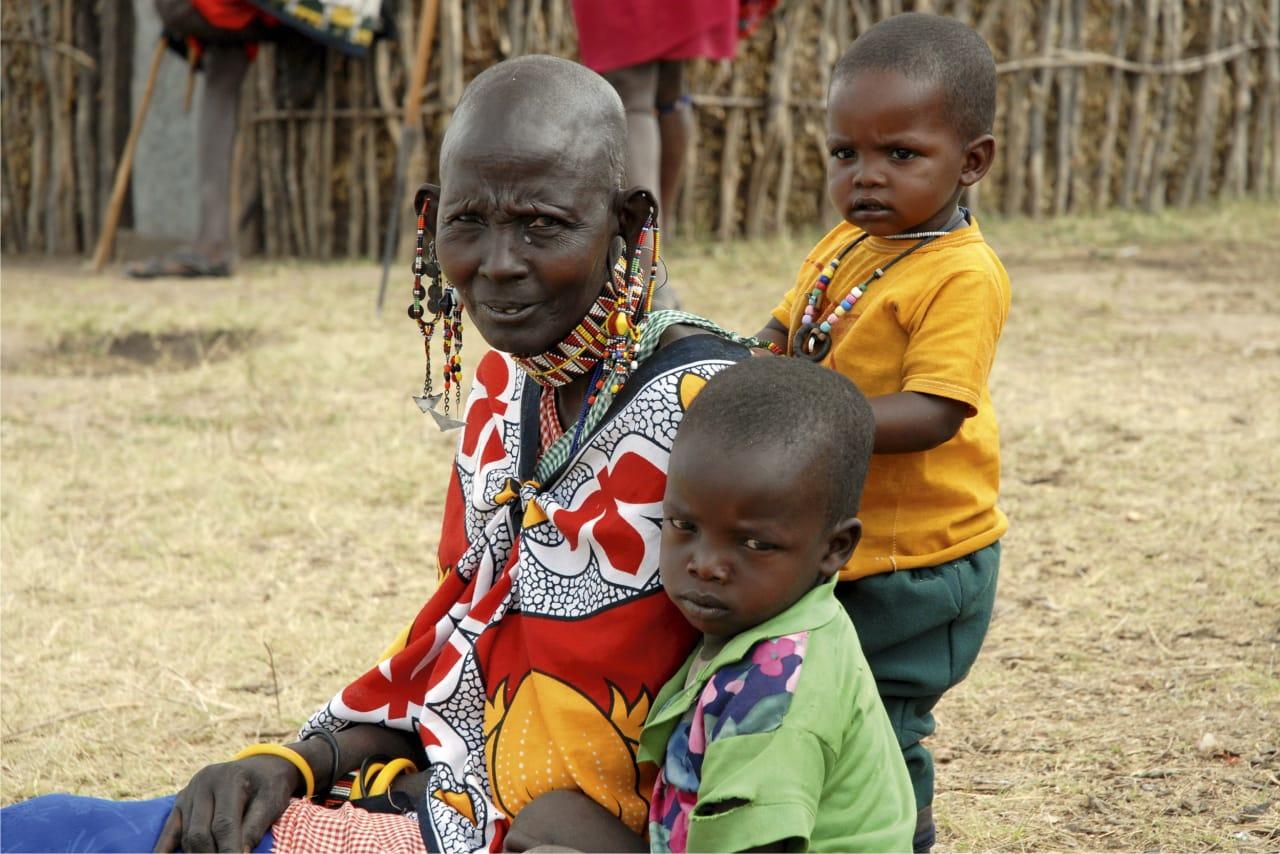 TRADISJONER: Masaiene er et nomadefolk med sterke tradisjoner, men nå går de fleste av barna på skole. Foto: Ulf Amundsen.