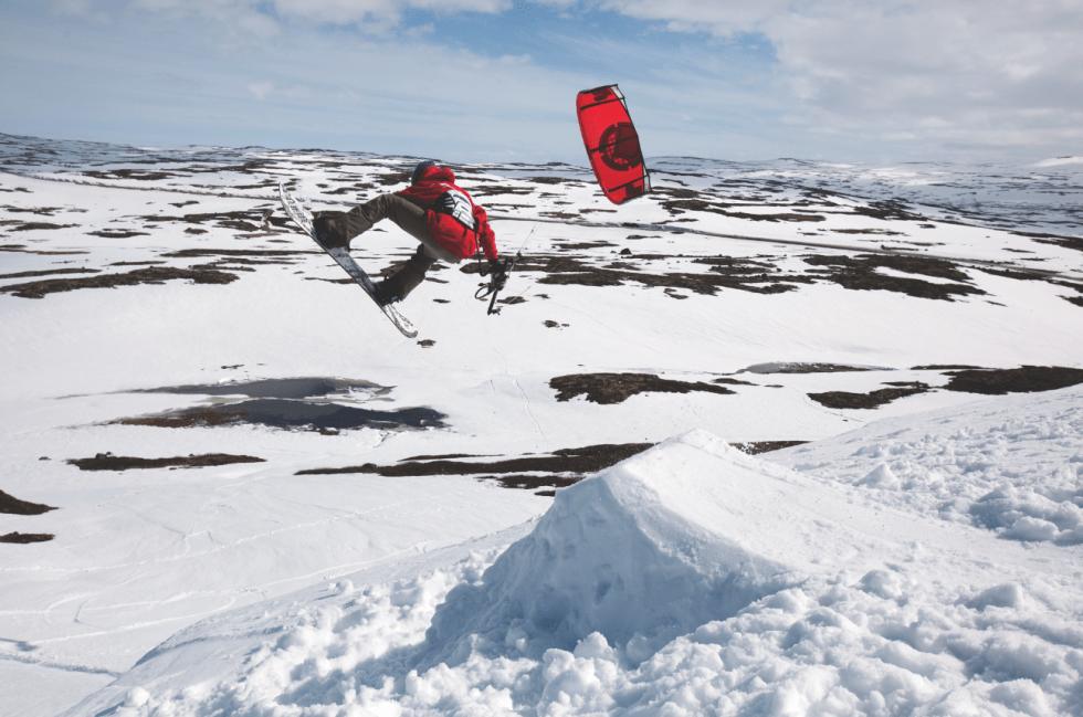 INNOVATØR: Petter Johnsen er en omskolert snowboarder med mange gode bidrag til snowkite-sporten. Bilde: Christian Nerdrum