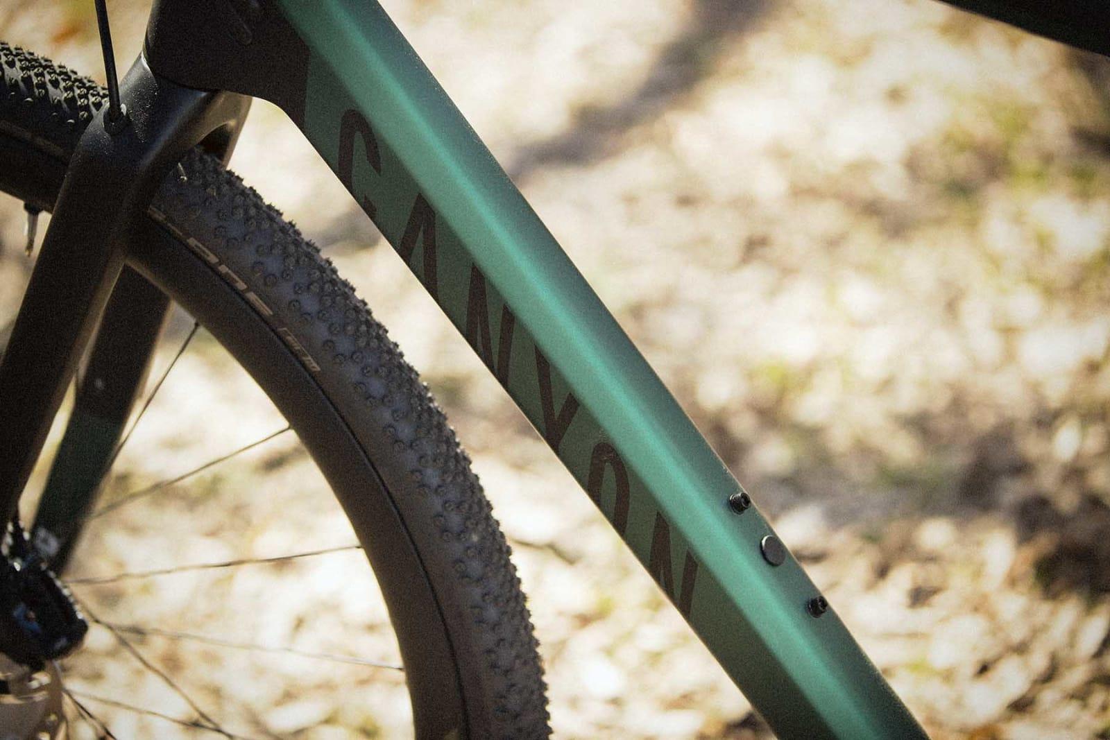 DISKRÉ: Canyons design gjør fortsatt ikke mye ut av seg, men stiluttrykket er kjent fra øvrige sykler.