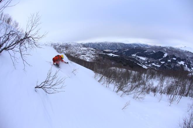 STRANDAFJELLET: Et av Norges beste skisentre for frikjøring – som altså ikke koster ekstra. Arkivfoto: HP Hval