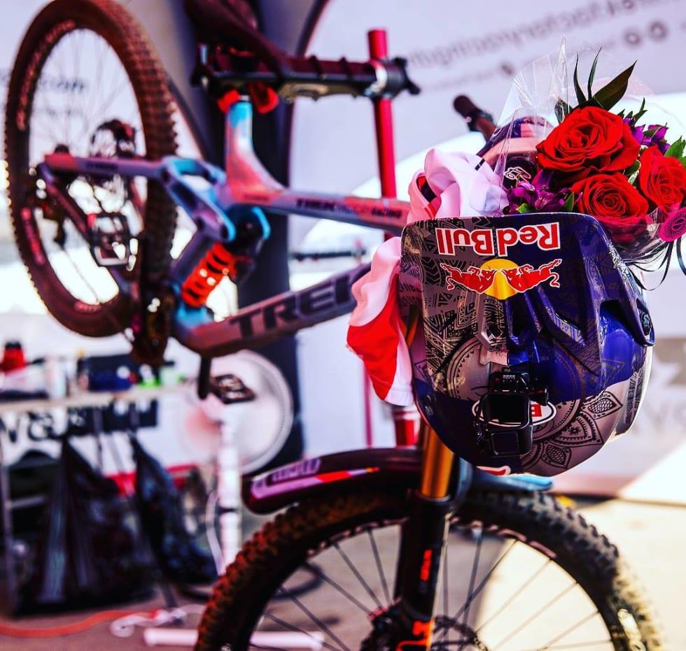 VINNERSYKKEL: Rachel Athertons sykkel har vært med å vinne både verdenscupen og VM i år.