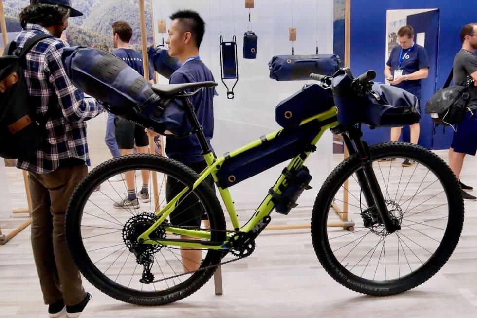 LASTET OPP: Roswheel har vesker for de fleste steder på sykkelen.