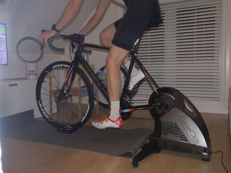 FINT TRÅKK: CycleOps H2 har jevn og smidig gang og yter motstand helt opp til 2000 watt og 20% stigning.