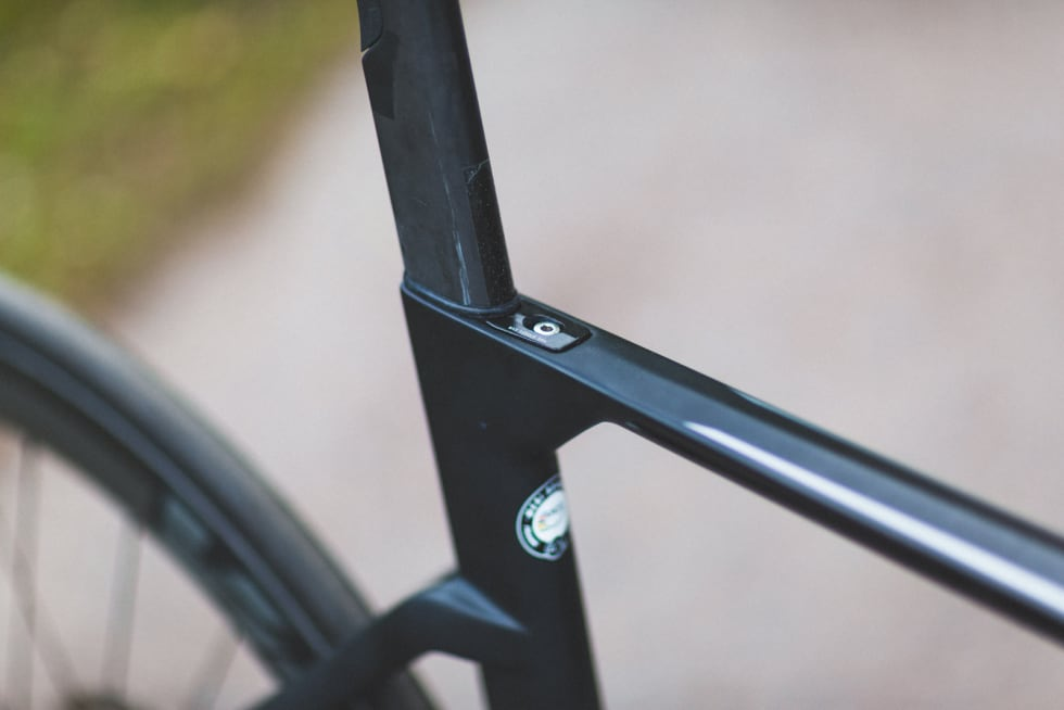 LAVE STAG: Senkede setestag har vært et tydelig aerogrep i sykkelbransjen siden Cadel Evans' Tour-seier i 2011. Setepinneklemma er funksjonell og subtil.
