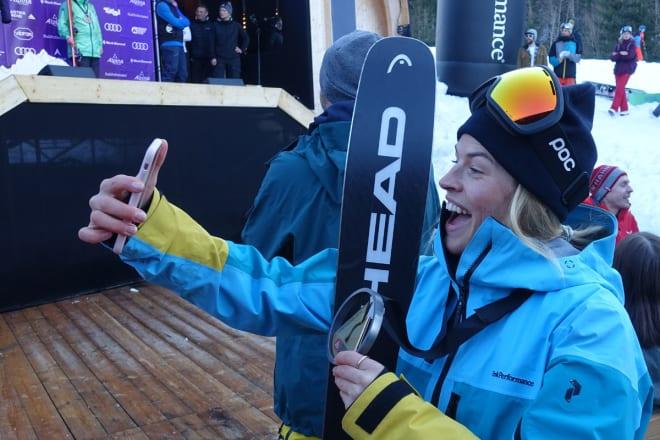SEIERS-SELFIE: Hedvig Wessel tok sin første FWT-seier. Foto: Tore Meirik
