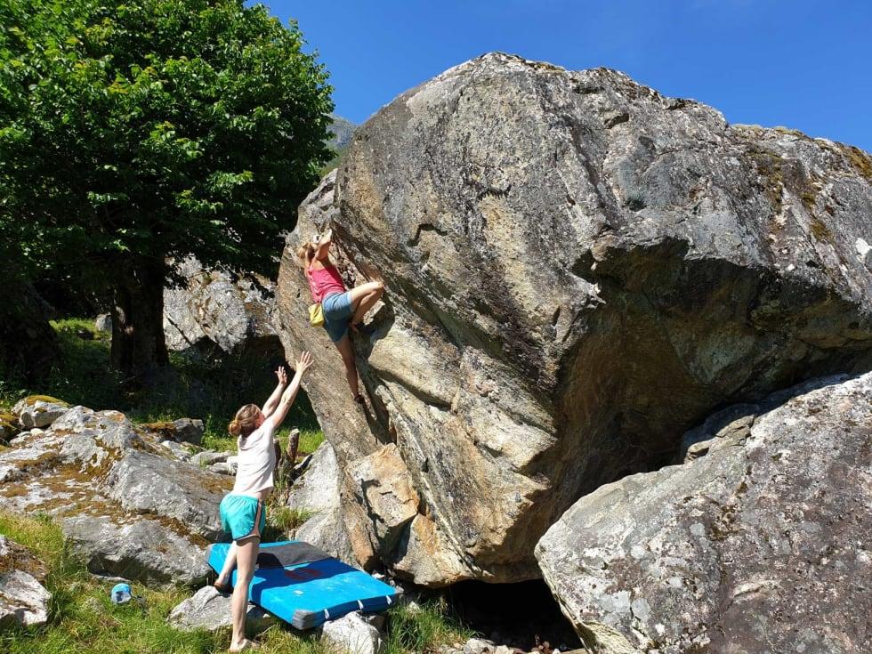 Klassiker: Ragnhild klatrer Når nætene blir lange (4+). Foto: Tommy Haugen Søjdis