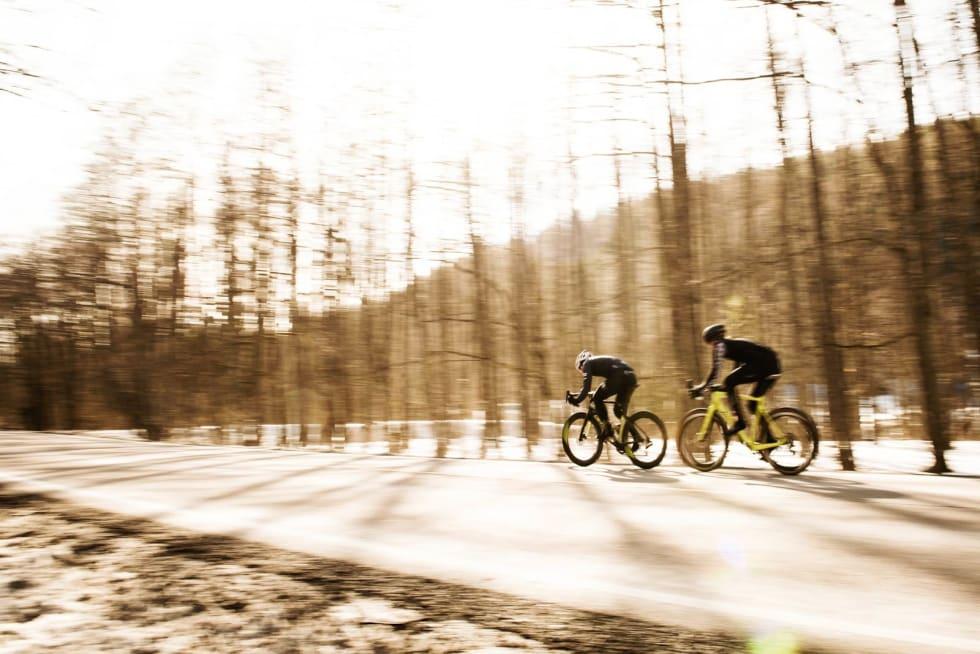 Mange drag: I tillegg til å sykle på hver sykkel alene, testet vi også hva som krevdes for å ligge på hjul med både 650b-dekk og vanlige landeveisdekk.
